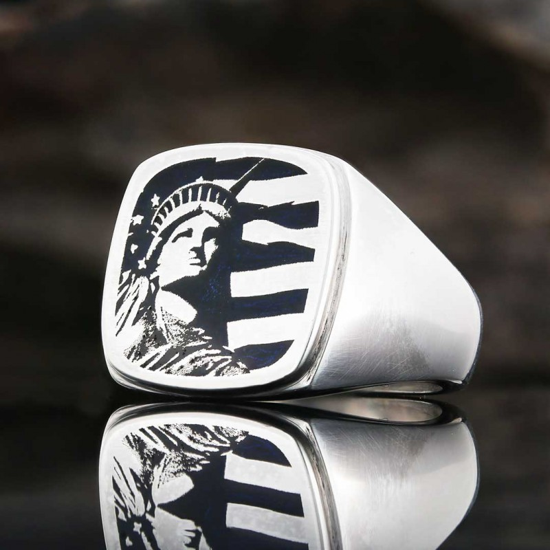 Statue of Liberty Photo Ring